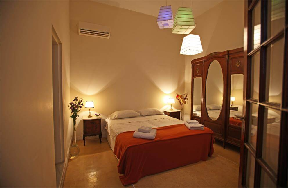 Tango guesthouse room (where Solo Chicas get 30% off in low season)